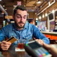 Cartões de crédito Itaú e Santander: qual o melhor?