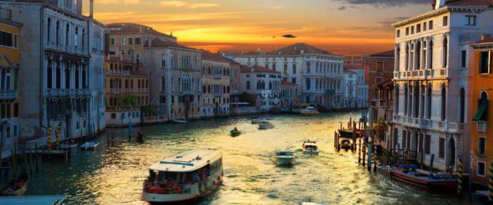 Veneza: imagine um passeio por uma cidade inteira flutuante